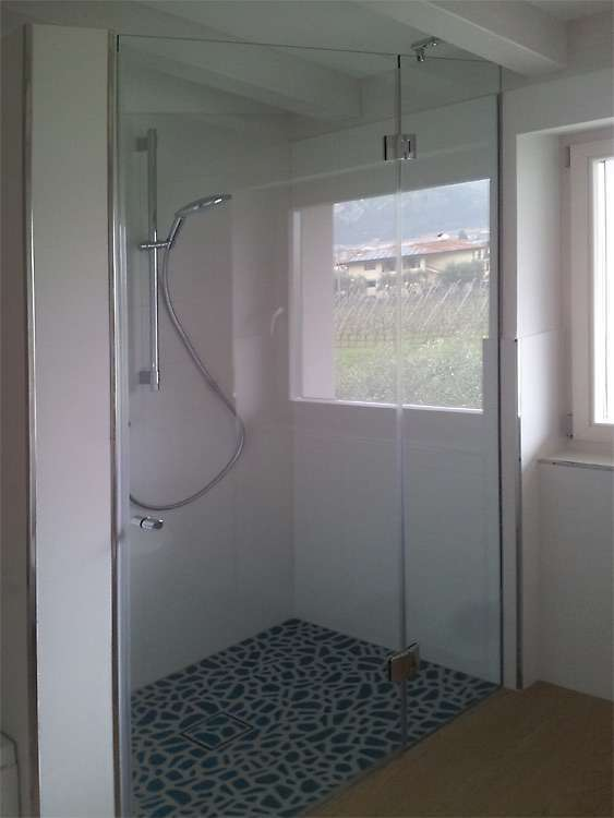 Porte automatiche in vetro arco trento santoni vetrisantoni vetri un nuovo sito targato - Finestra nella doccia ...