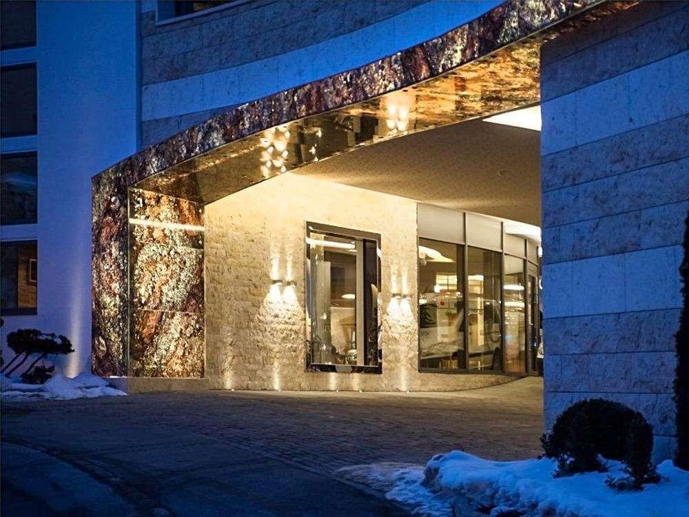 Porte automatiche in vetro arco trento santoni for Palazzi davvero grandi
